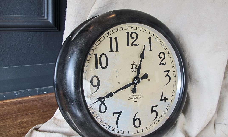 Original English Itr Clock Quintessential Duckeggblue